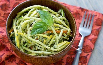 Сыроедческие «спагетти» с тыквенным песто