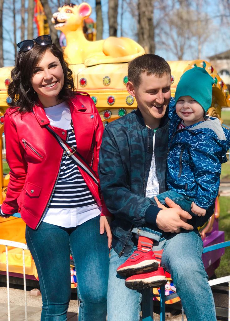 Елена Телицина с мужем Андреем и сыном