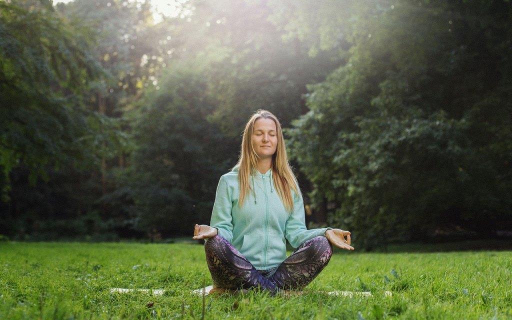 Жизнь «не по классике». Саша Уикенден - о путешествиях, саморазвитии и жизненном пути