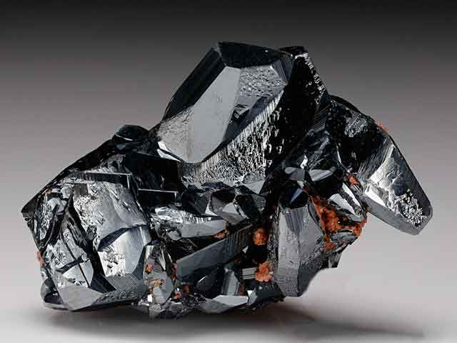 Магические и целебные свойства камня гематит. Какому знаку зодиака подходит?
