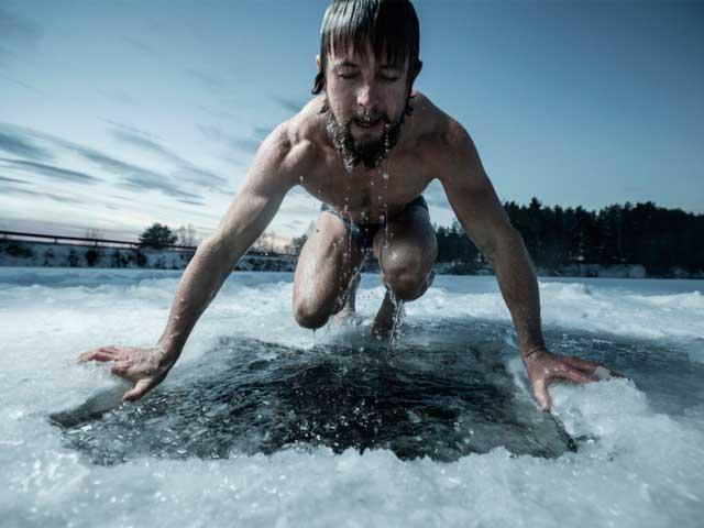 10 правил купания в проруби на крещение