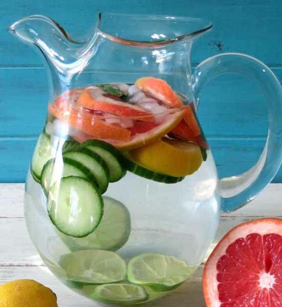 Детокс коктейль: огурец, лимон, грейпфрут