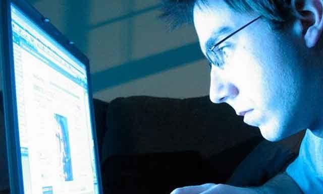 Как компьютер влияет на психику взрослых и детей