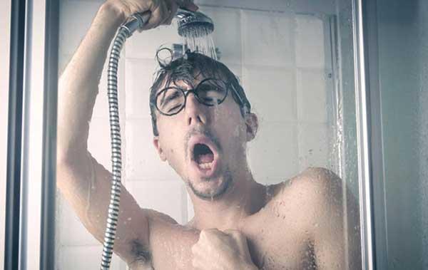 Контрастный душ для снятия нервного напряжения