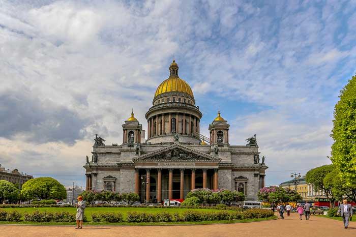 Куда поехать на майские праздники - Санкт-Петербург