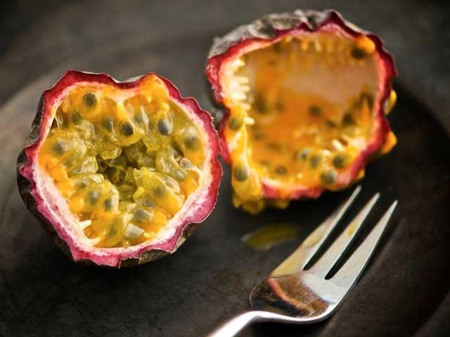 Полезные свойства и противопоказания фрукта маракуйя