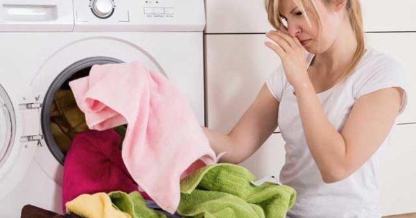 Как бороться с неприятным запахом от стиральной машинки