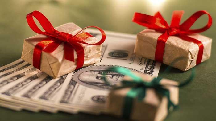 Дарят ли деньги на новый год?