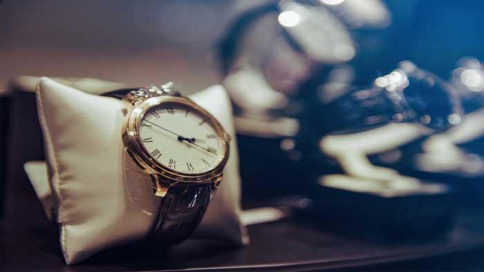 Можно ли часы дарить на новый год
