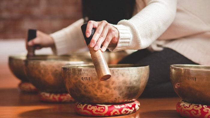 Тибетский звуковой массаж поющими чашами