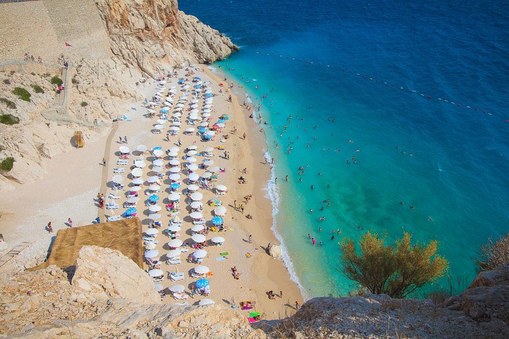 Где находится пляж Капуташ в Турции