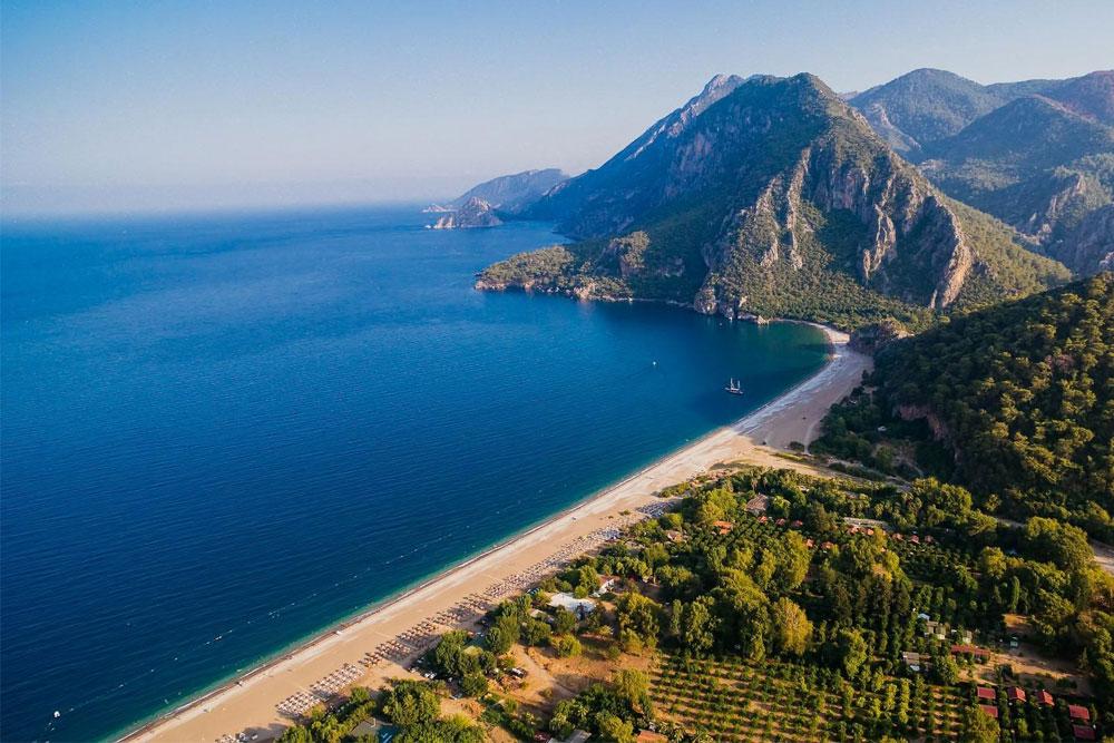 Пляж Олимпос Чиралы входит в 10 лучших пляжей Турции