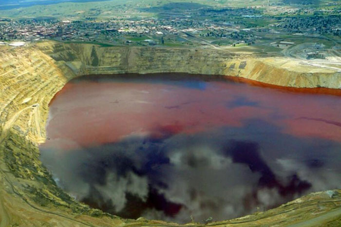 Радиоактивное озеро Карачай