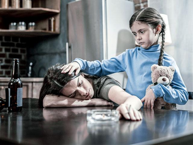Взрослые дети алкоголиков: какие они и в чем их особенность?