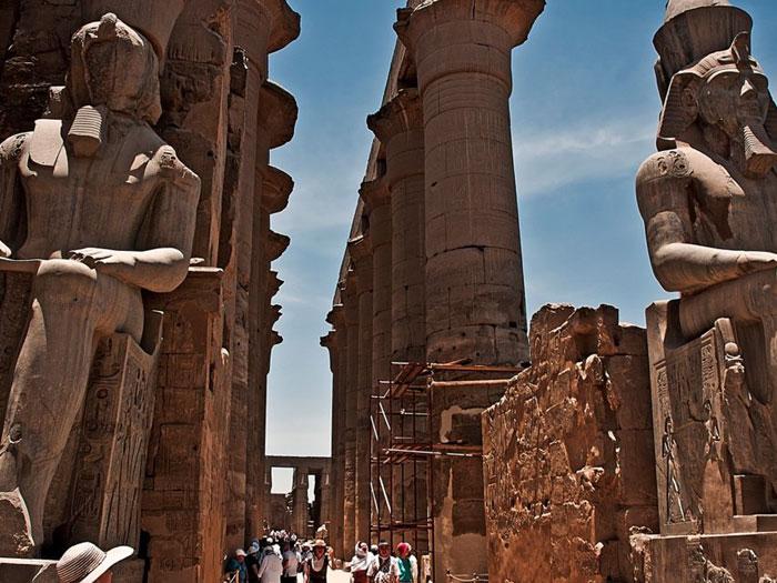 Храм Луксора в Луксоре